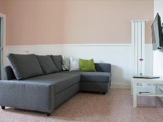1 bedroom Condo with Internet Access in Napoli - Napoli vacation rentals