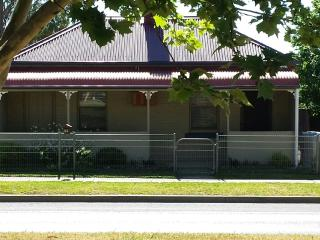 Nice 3 bedroom House in Mudgee - Mudgee vacation rentals