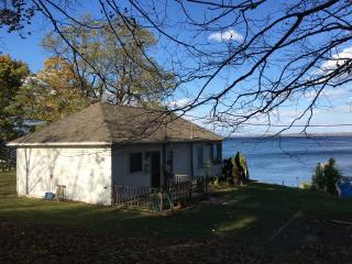 Seneca Lake Waterfront-Hot Tub-Wine Trail-Pets -37 - Watkins Glen vacation rentals