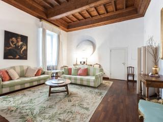 CrownOrsetto Palatial Comfy & Cosy, Piazza Navona! - Rome vacation rentals