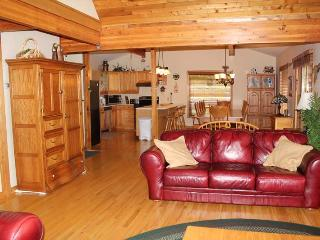 Bright 5 bedroom Cottage in Eugenia - Eugenia vacation rentals