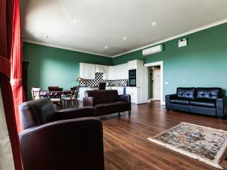 Georgian city square apartment - Dublin vacation rentals