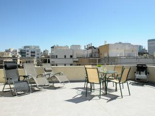 Cozy Condo with Central Heating and Washing Machine - Jaffa vacation rentals