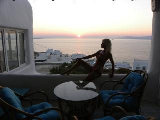 Cozy 3 bedroom Mykonos Town Villa with Internet Access - Mykonos Town vacation rentals