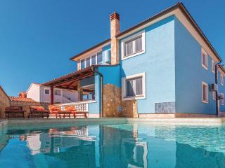 Nice Villa with Internet Access and A/C - Barbariga vacation rentals