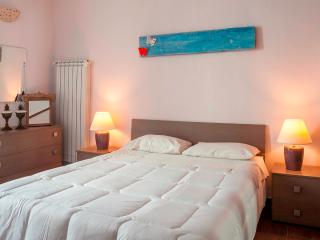Large 1 Bedroom Flat in the Center of Castellana - Castellana Grotte vacation rentals