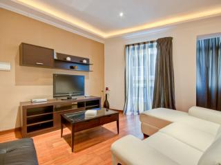 Modern, 3 bedrooms, Free Wifi, Close to the Beach - Sliema vacation rentals