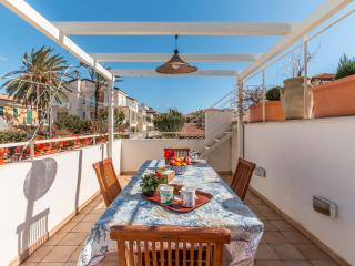 Gorgeous House with Internet Access and A/C - Marina di Ragusa vacation rentals