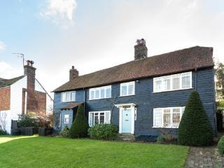 Beautiful seaside cottage, fabulous views,nr beach - Winchelsea vacation rentals