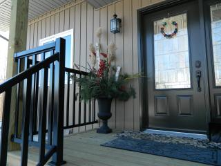 Comfortable Bed and Breakfast with Television and Balcony - Maberly vacation rentals