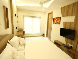 Romantic 1 bedroom Indore House with Internet Access - Indore vacation rentals