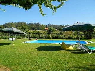 Nice Farmhouse Barn with Internet Access and Shared Outdoor Pool - Felgueiras vacation rentals