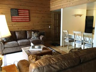 Rustic Inspired 1 Bedroom with Loft 2 Bath Retreat - Listing #285 - Mammoth Lakes vacation rentals