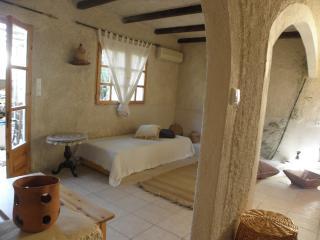2 bedroom Condo with Internet Access in Makry-Gialos - Makry-Gialos vacation rentals