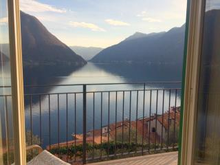 Colonno small apartment with view on Lake Como - Colonno vacation rentals