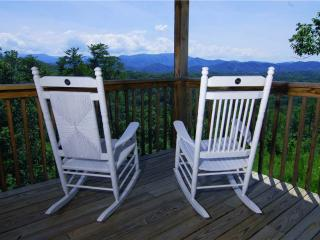 Gorgeous Cabin with Deck and Internet Access - Sevierville vacation rentals