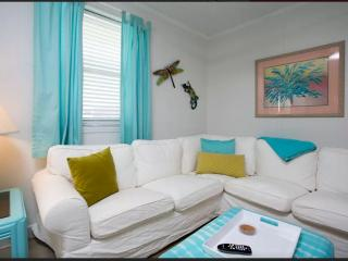 Papou's Place: Adorable Beachside Bungalow - Tybee Island vacation rentals