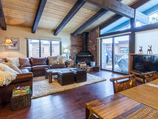 Charming House with Internet Access and Dishwasher - Mammoth Lakes vacation rentals