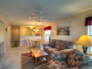 River Oaks Golf Plantation 2 Bedroom Condo with a Pool and Grill - Myrtle Beach vacation rentals