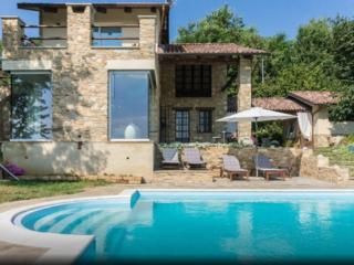 Nice Villa with Internet Access and Central Heating - Bra vacation rentals