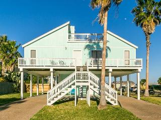 3BR Key Allegro Renovated Home close to water w/stunning Bay Views - Sleeps 6 - World vacation rentals