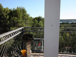 2 bedroom Condo with Television in Milna (Brac) - Milna (Brac) vacation rentals