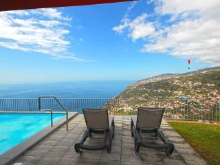 Cozy 3 bedroom Vacation Rental in Calheta - Calheta vacation rentals