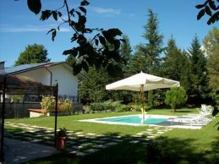 villa con piscina vicino alle 5 terre - Villafranca in Lunigiana vacation rentals