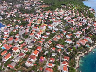 2 bedroom Apartment with Television in Seget Vranjica - Seget Vranjica vacation rentals