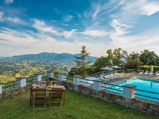 Lovely 2 bedroom San Pietro a Marcigliano House with Internet Access - San Pietro a Marcigliano vacation rentals