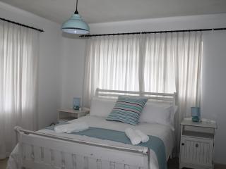 Nice 1 bedroom Condo in Scarborough - Scarborough vacation rentals