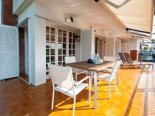 3 min from the beach with parking! - Sitges vacation rentals