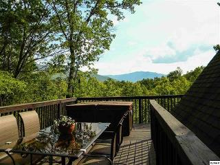 Amazing Smokey Mountain Views High Atop Cobbly Nob - Gatlinburg vacation rentals