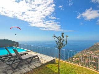 Cozy 3 bedroom Calheta Villa with Television - Calheta vacation rentals