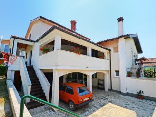 2 bedroom Condo with Internet Access in Porec - Porec vacation rentals