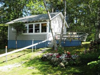 Cozy cottage in Ocean Point, Maine - East Boothbay vacation rentals
