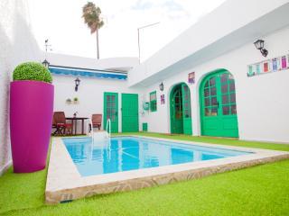 Encantadora casita con piscina climatizada - Telde vacation rentals