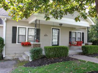 Charming 3 bedroom House in Franklin - Franklin vacation rentals