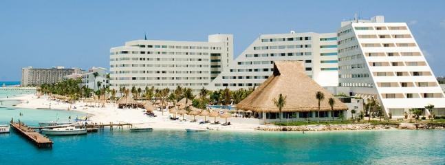 A VIP Lifestyle Vacation @ Grand Oasis Palm - Cancun vacation rentals