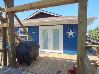 Relax,fish, unwind in Sunny San Leon with bayviews - San Leon vacation rentals