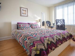 Spacious room by metro w/parking @ safe green area - Toronto vacation rentals