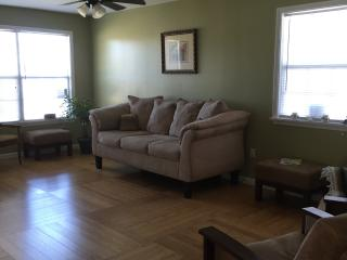 Beautiful home only 10 miles to Quarter/Downtown - New Orleans vacation rentals