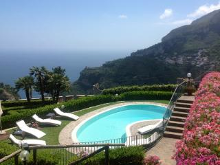 5 bedroom Villa in Scala, Amalfi Area, The Amalfi Coast, Italy : ref 2383066 - Pontone vacation rentals