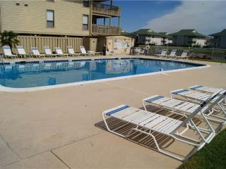 Nice 2 bedroom House in North Myrtle Beach with Private Outdoor Pool - North Myrtle Beach vacation rentals