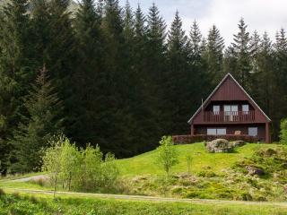 Wonderful 3 bedroom Crianlarich House with Internet Access - Crianlarich vacation rentals