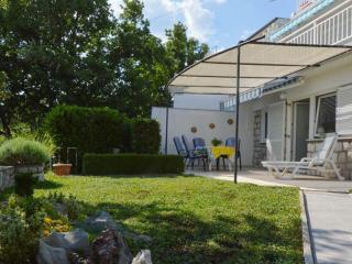 Apartment Dora A4+2 - Novi Vinodolski vacation rentals