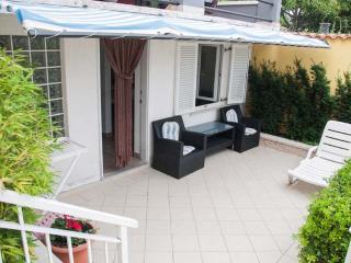 Romantic 1 bedroom Apartment in Novi Vinodolski - Novi Vinodolski vacation rentals