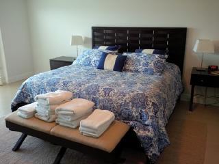 Grand Regency - 3 BR Condo - Beach Front - PRI 9248 - Eagle Beach vacation rentals