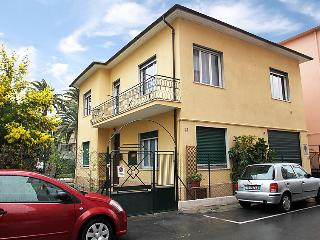 Sunny 2 bedroom House in Arma di Taggia - Arma di Taggia vacation rentals