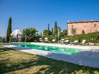 Villa in Montepulciano, Siena, Italy - Abbadia di Montepulciano vacation rentals